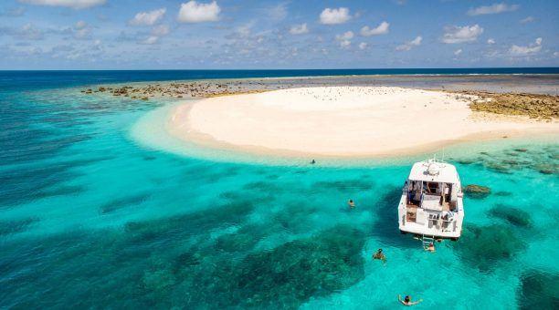Ashmore Banks Sand Cay Snorkel Tour