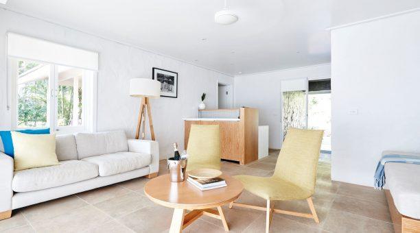 North Beachfront Suite Living Area