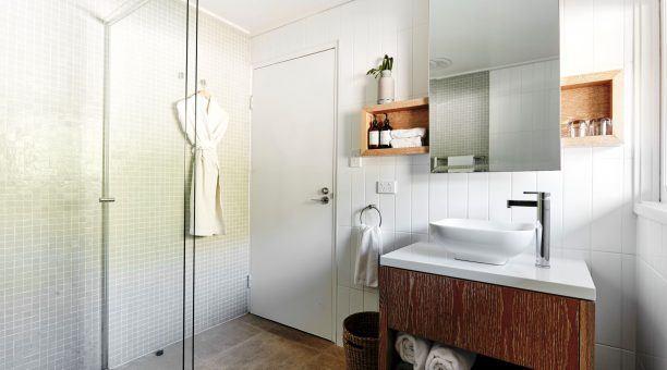 North Beachfront Suite Bathroom