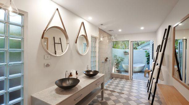 South Suite Bathroom